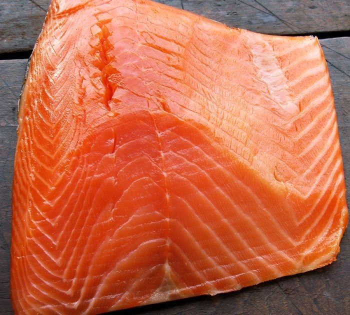 This organic salmon lives in protected waters off the Irish coast and enjoys a 100% organic diet. It is delicately smoked for a wonderfully mild and refined flavor.