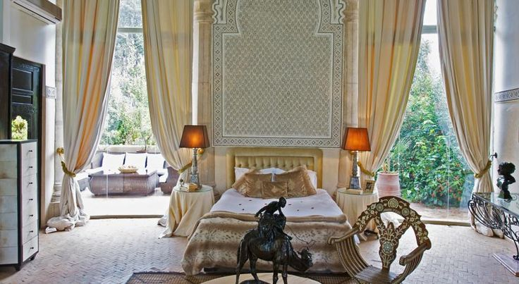 Located in the Palmerie district, just 5 km from Marrakech, Le Palais Rhoul and Spa offers luxury accommodation with 2 outdoor swimming pools, hammam, hot...