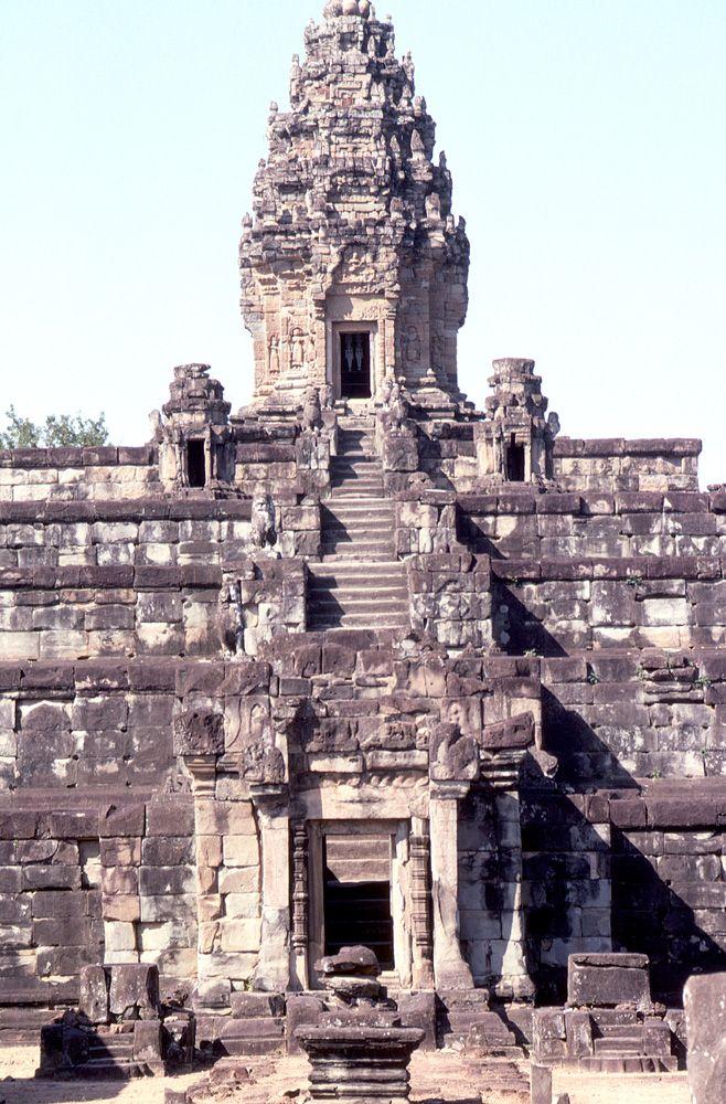 カンボジア、バコン寺院は一度訪れたい!カンボジアのおすすめ観光地。