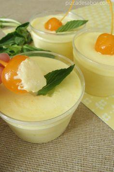 Aprende a preparar un delicioso mousse de mango, ya sea con mango fresco o con mango congelado, queda riquísimo de cualquier manera