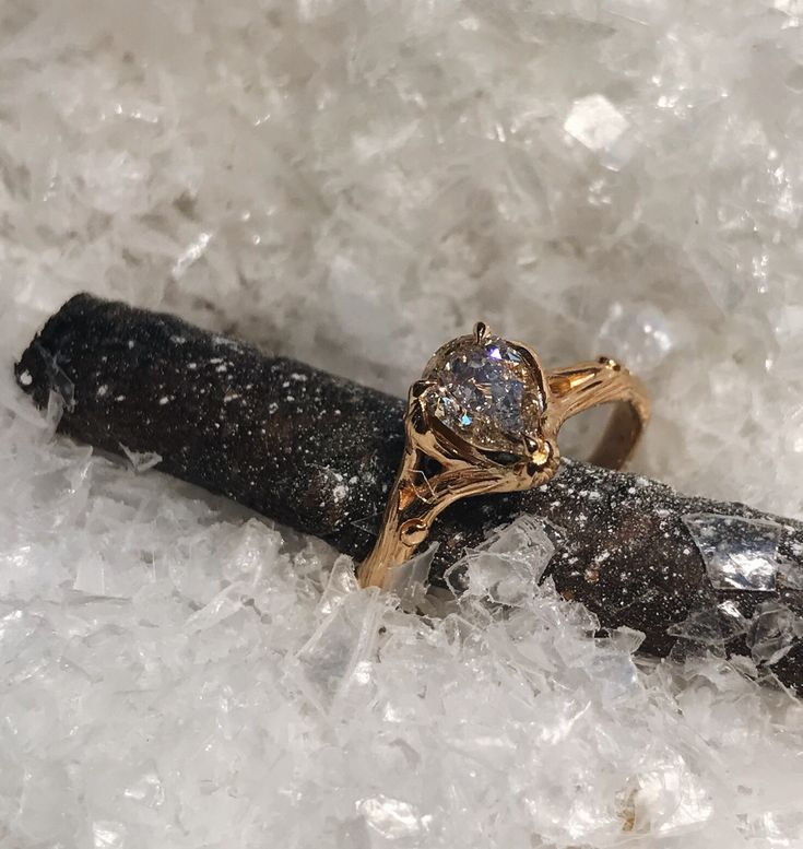 Woodland ring with pear-shaped champagne diamond