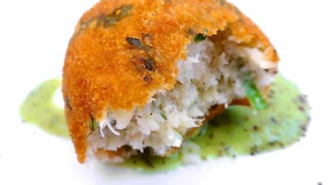 Homemade salt cod and potato croquettes, or Spanish croquetas de bacalao... These fish croquettes are super easy to make and highy addictive.