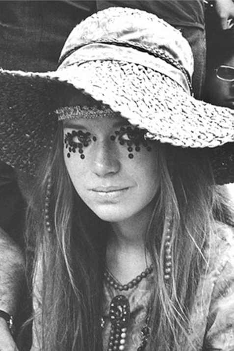 People should definitely start doing things like this with their eyes. woodstock #music