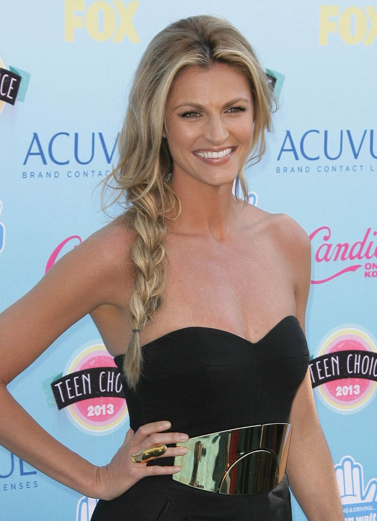 Beautiful braid. Great look for Erin Andrews