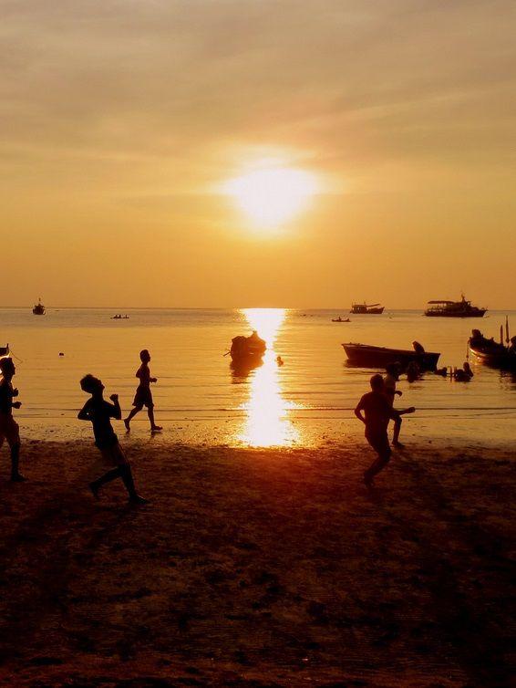 Football on the Beach (Ko Toa) | http://www.flickr.com/photos ...