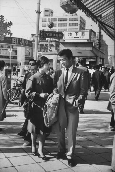 1958: A young couple strolling through Ginza
