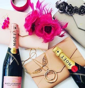Oaks Day planning🐴 with our Envelope Clutch in Pink, Nude & Grey😍