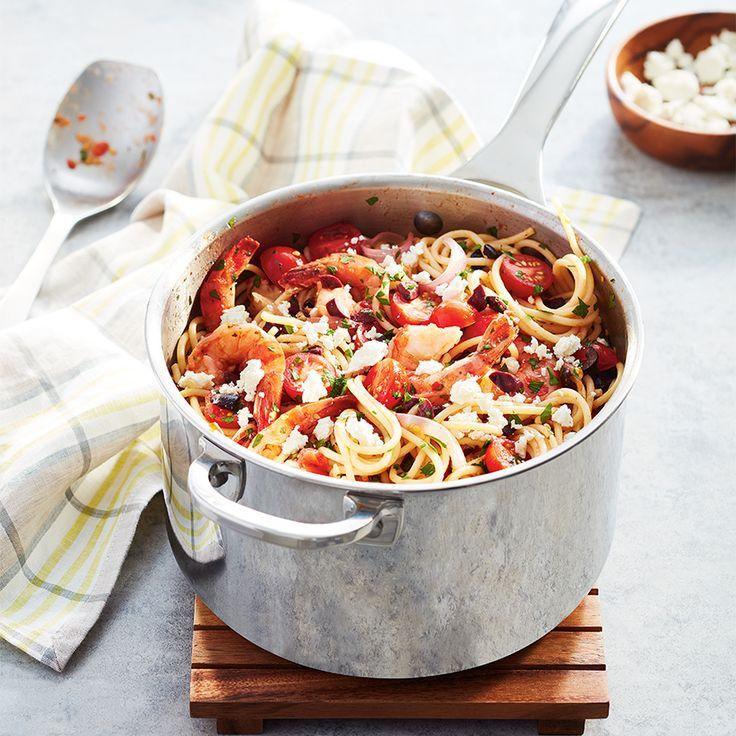 Spaghettis aux crevettes, aux tomates et au féta