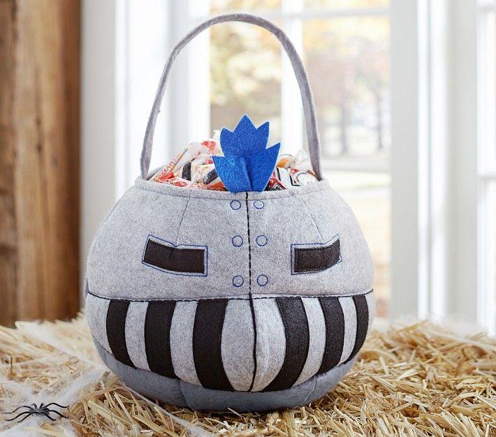 Halloween на Sees-All-Colors. Детские сумки для сладостей Pottery Barn Kids