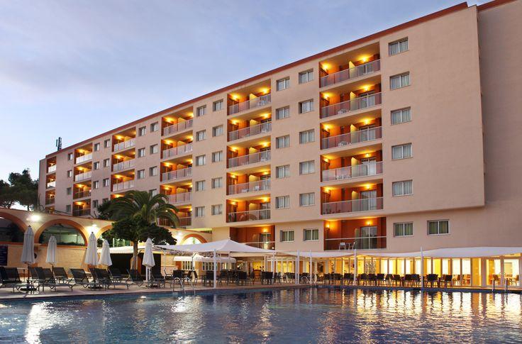 http://www.azulinehotels.com/hoteles-en-ibiza/hotel-atlantic-santa-eulalia-familias #azulinehotels #azulineatlantic #ibiza #escanar