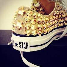 golden shoes, so pretty..