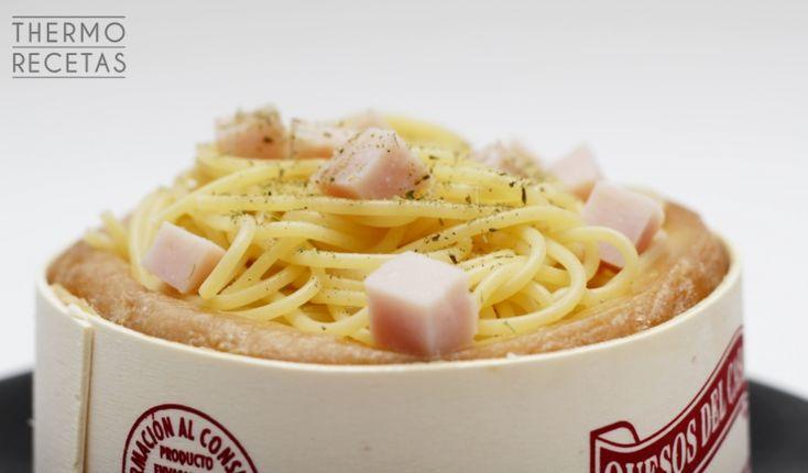 Espaguetis en Torta del Casar - http://www.thermorecetas.com/2014/06/23/espaguetis-en-torta-del-casar/