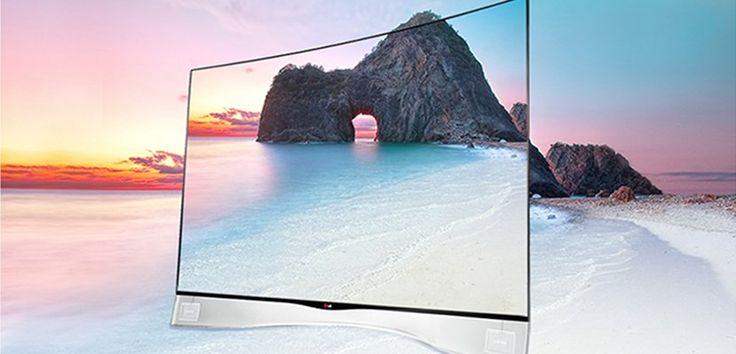 LG 55EA980V. Televisor OLED con pantalla curvada, con acceso a internet, WiFi integrado, tecnología 3D, MHL, cuatro puertos USB y tres conexiones HDMI. De su diseño descata su peana de cristal transparente flotante.