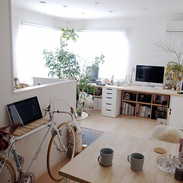 Katsuraさんの、Overview,無印良品,自転車,IKEA,イケア,テレビ台,DIY,ワークスペース,朝の部屋,定点観測についての部屋写真