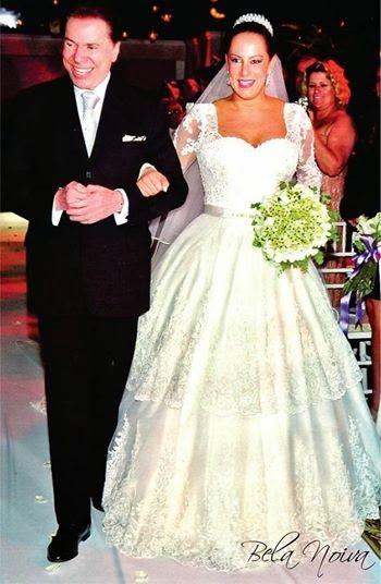 Renata Abravanel, 30 anos, a filha número 6 do apresentador Silvio Santos, se casou com Caio Curado em uma cerimônia no Guarujá, em São Paulo, na noite deste sábado (26). A caçula do apresentador e da novelista Iris Abravanel oficializou a união no