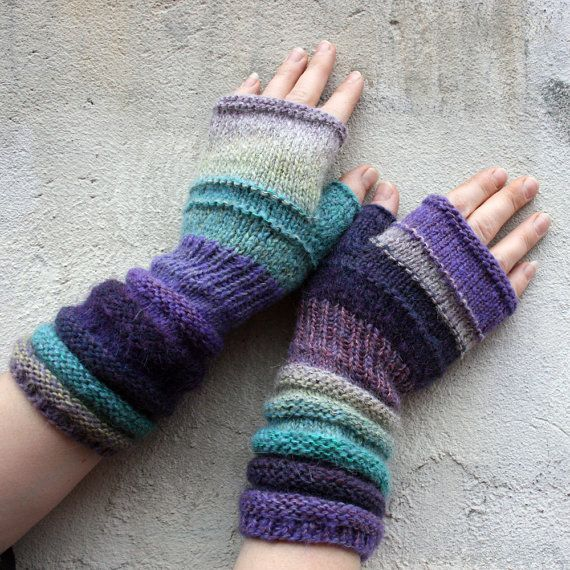 Purple Haze Unmatched Hand Knit Wrist Warmers door WrapturebyInese & 66 best I u003c3 wrist warmers images on Pinterest | Fingerless gloves ...