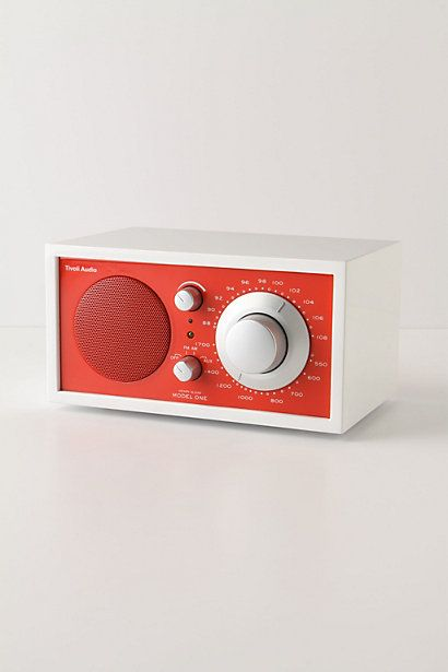designed by henry kloss this stylish radio from tivoli audiou0027s frost white collection features - Tivoli Radio
