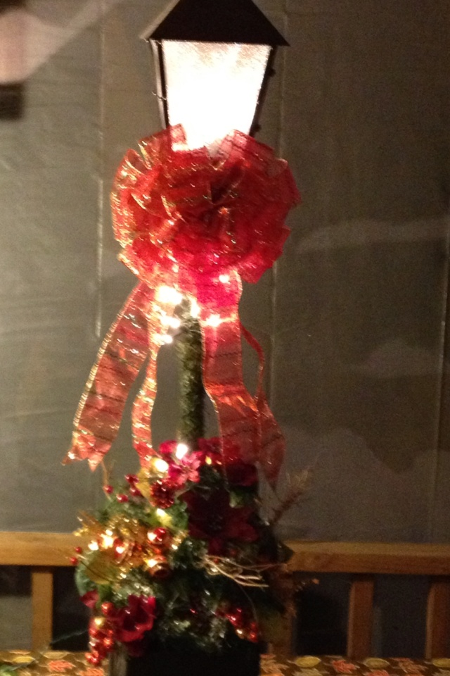 13 best images about hello lamp post on pinterest for Christmas decoration 94