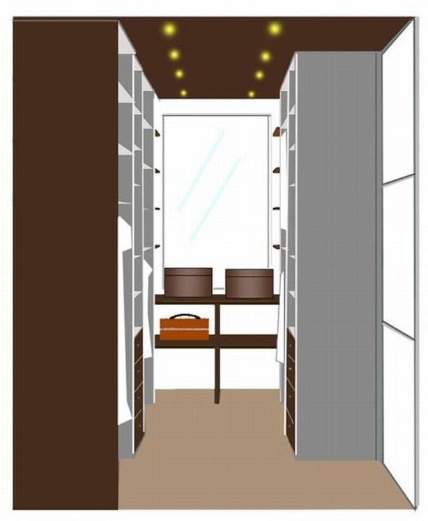 een inloopkast in een toch kleine ruimte
