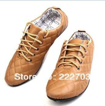 Мода для мужчин коричневая обувь