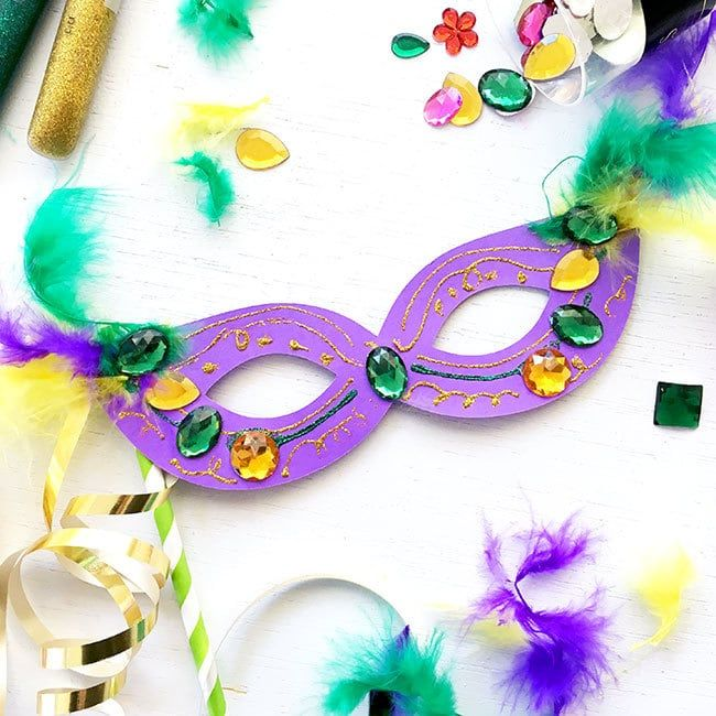 Diy Mardi Gras Masks With Free Svg 100 Directions Mardi Gras Crafts Mardi Gras Mask Mardi Gras Diy