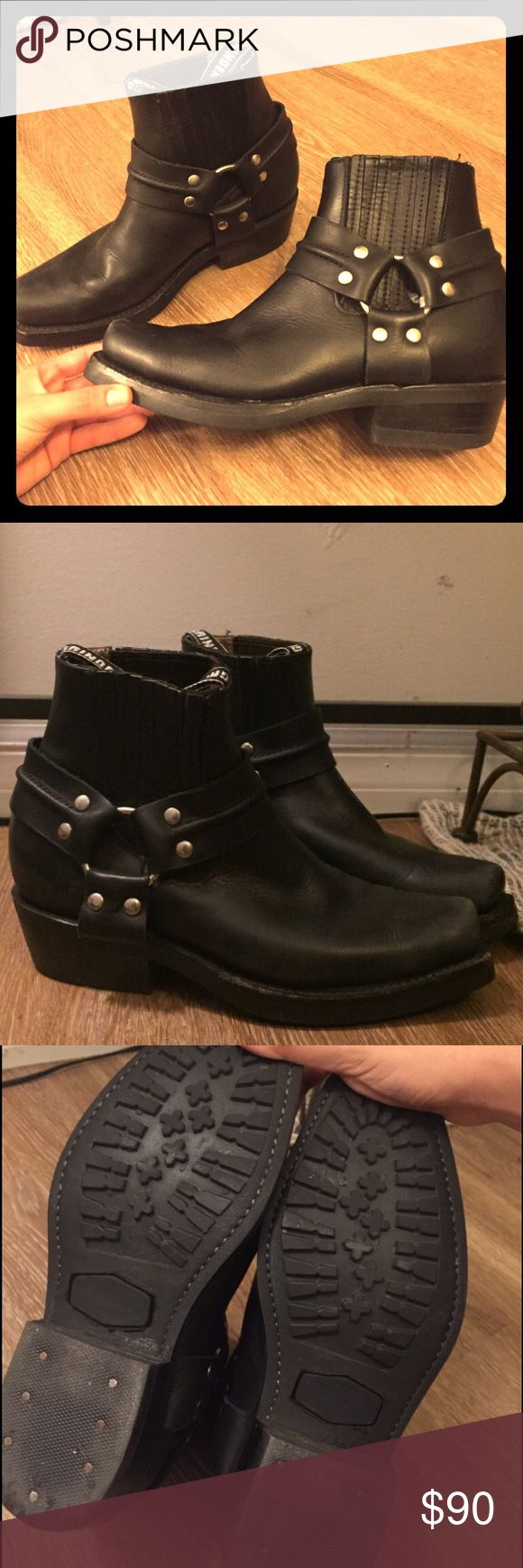 Men's Leather Biker Books UK Size 38 UK Brand Grinders. Excellent quality, only worn 5-6 times. Still smells like new leather!! These are Men's UK size 38, I'm Women's Size 8 and they fit me easily half a size too large (reason for selling) ... no huge scratches or crazy scuff marks or anything not photographed. ***keep in mind The scuff shown on the cover photo you can't see from the top view but see it intentionally detailed in that photo*** Grinders Shoes Cowboy & Western Boots