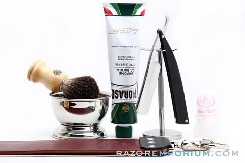 25 best ideas about straight razor shaving kit on pinterest custom straight razors shaving. Black Bedroom Furniture Sets. Home Design Ideas