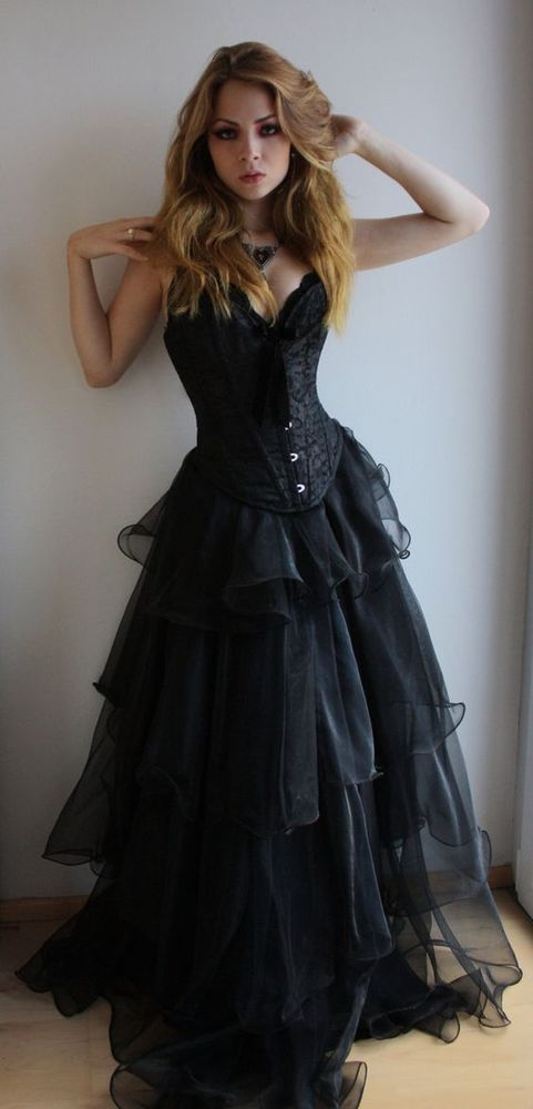 Victorian Black Wedding Dresses Sweetheart Lace Up Bridal Gowns