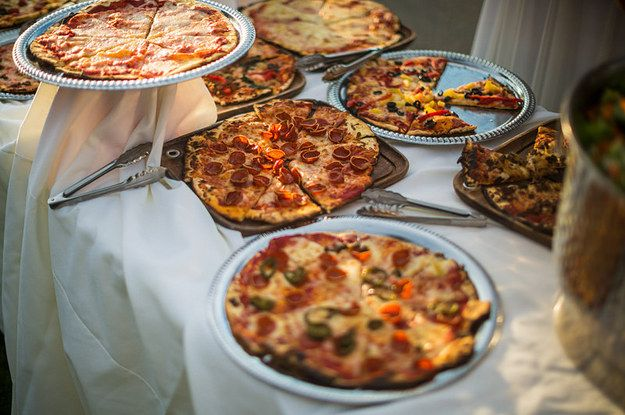 17 drunk foods that make for awesome late night wedding food