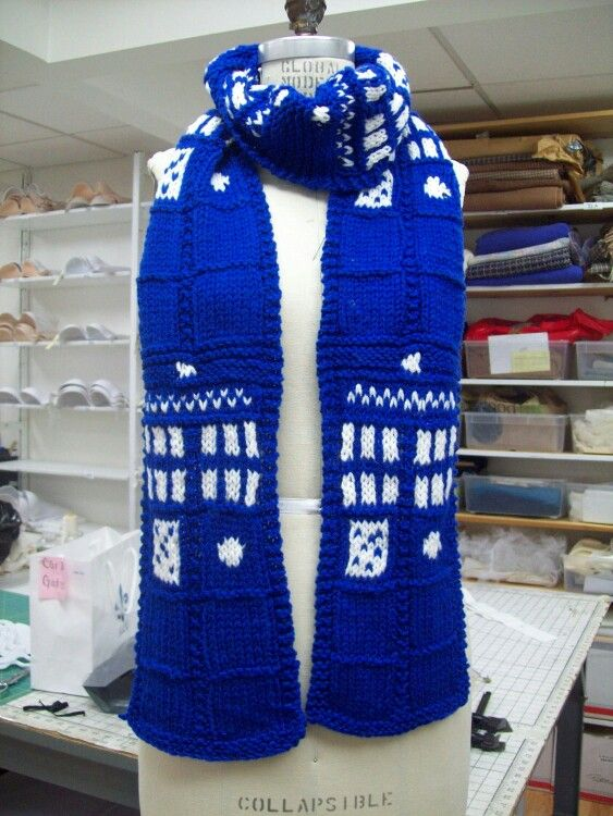 Super Awesome TARDIS scarf Doctor Who Pinterest ...
