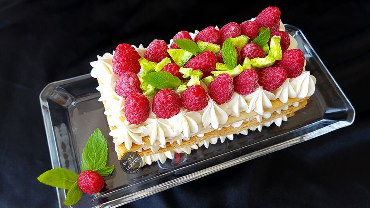 Kolay Pasta nasıl yapılır? Bir Dilim Lezzet farkıyla denenmiş, resimli ve güvenerek yapabileceğiniz Kolay Pasta malzemelerine ve tarifine göz atın...