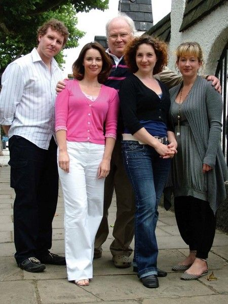 Richard Earl (Mr.Tap/ Mr Winterbourne), Nicola Bryant (Peri), Colin Baker (The Doctor), Helen Goldwyn (Stella/Bella) and Claire Wyatt (Ms Aht)
