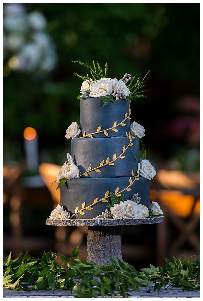 Luxe Green and White Garden Wedding Inspiration - stunning cake!