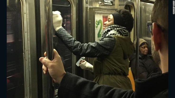 Aparecieron grafitis en el metro de Nueva York