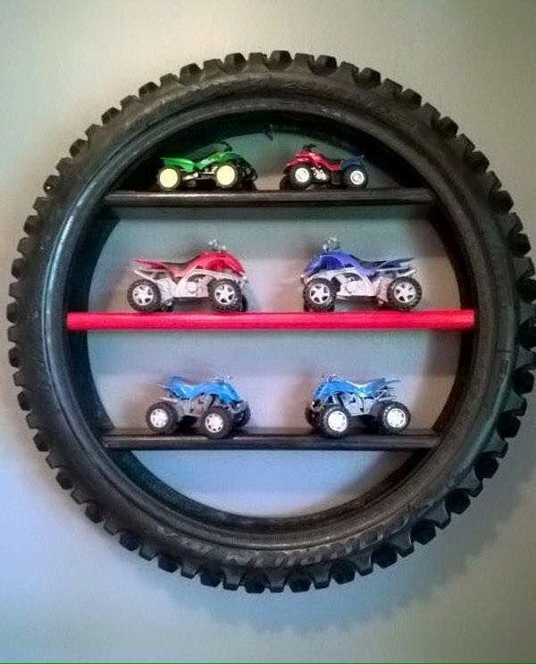 Esse post é para nunca mais olharmos da mesma maneira para nossos pneus usados! Sabe aquele pneu velho que pra nada mais serve? Ele ...