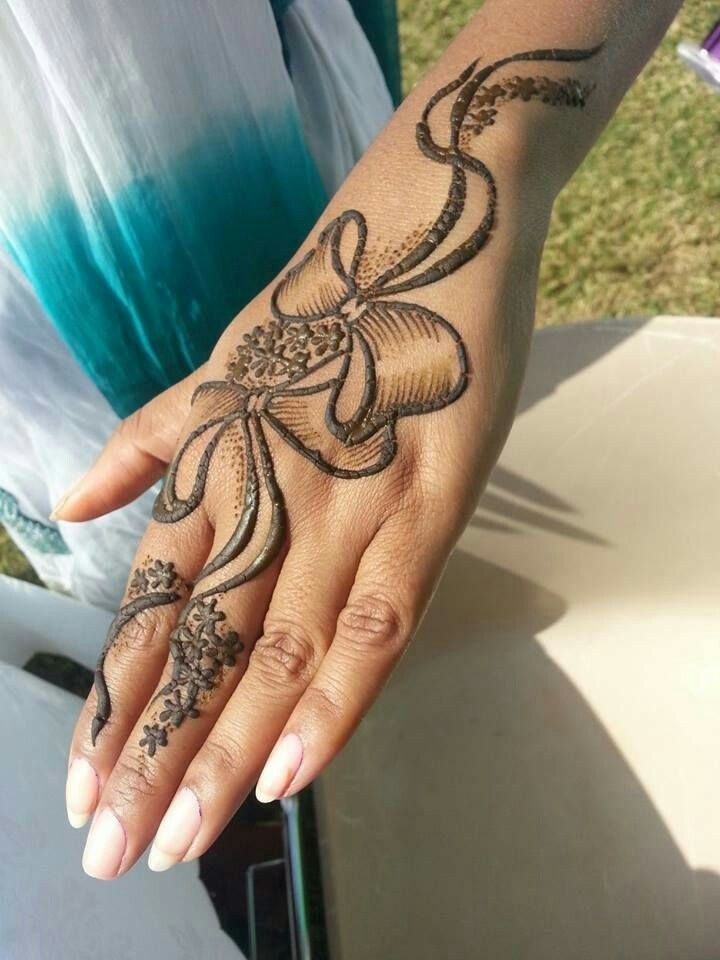 barbie doll mehndi design