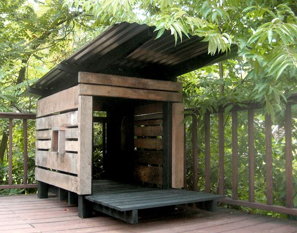 Modern dog house made from pallet wood