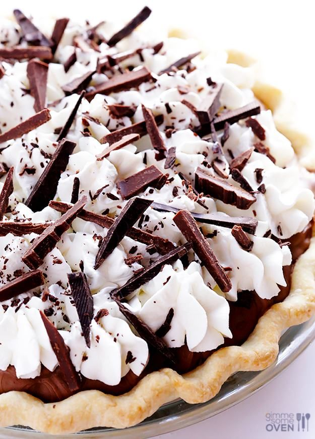 French Silk Pie | 15 Best Pie Recipes For Christmas and Holiday Season http://homemaderecipes.com/course/desserts/best-pie-recipes/