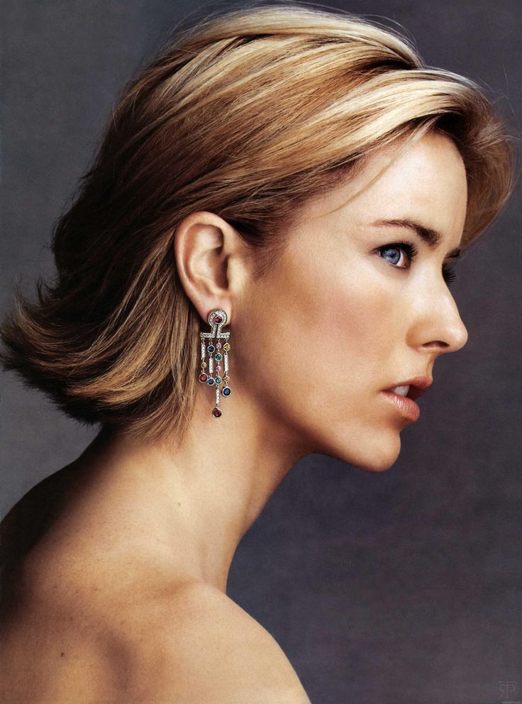 Tea Leoni....love her haircut