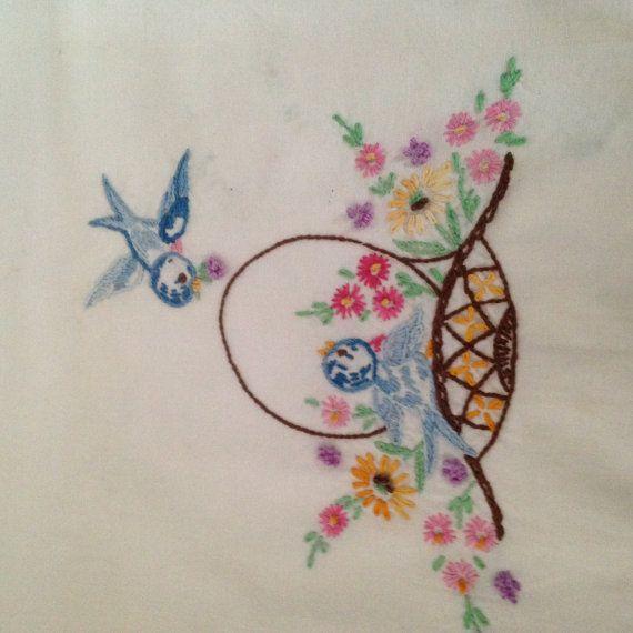 Mooie één hoofdkussen zaak Hand geborduurd vogels, bloemen en bloemmand haakwerk witte Lace