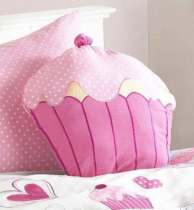 Cute Pillow Crafts : 166 best images about Padjad on Pinterest Butterfly cushion, Cute pillows and Felt crafts