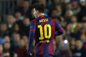 Agen Taruhan Bola – Messi Akan Lepas Nomor 10 Barcelona – Gelandang Barcelona, Arda Turan, mengklaim sudah ditawari mengenakan nomor kostum 10 oleh Lionel Messi. Barcelona telah menetapkan nomor kostum untuk musim 2015-16.
