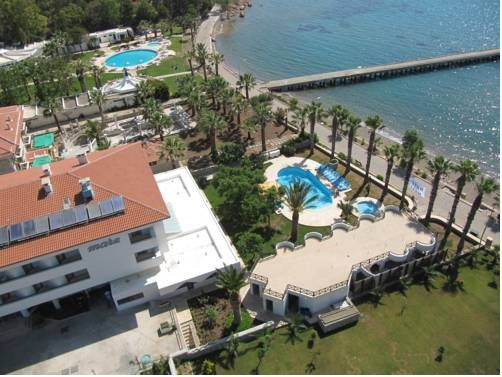 Hotel Mare Datca Datca(Mugla) Just a few steps from the seafront and next to a surfing school, Hotel Mare is only 10 minutes' walking distance to Datca's centre. It features an outdoor pool and rooms with sea view and LCD TV. Free Wi-Fi is available in all areas.