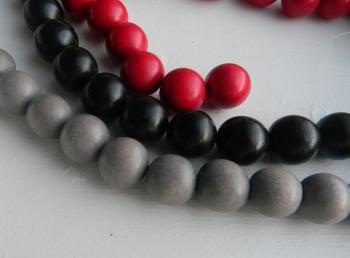 10 kpl 18 mm puuhelmiä, myyjä HandmadeMinna http://www.taitomaa.fi/shop/HandmadeMInna