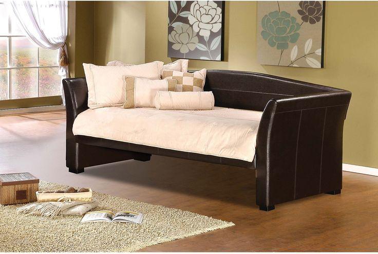 Chambre à coucher - Lit de repos Montgomery brun 449,97$ chez Brick