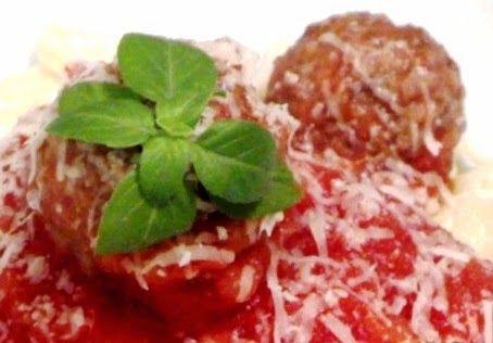 Almondegas de soja fritas e ao molho natural de tomate   Puxa vida, não pensei que ficaria tão feliz com o resultado desta receita. H...