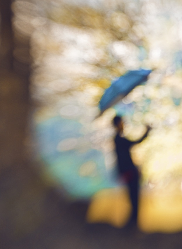 Love the Blur! Used the Single Glass and Pinhole/Zone plate optics from Lensbaby. By Hengki Lee. #lensbaby #seeinanewway