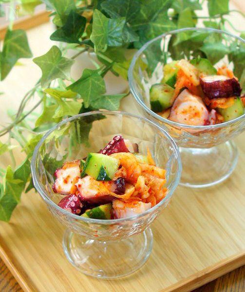 タコと胡瓜とキムチを混ぜ合わせる、簡単で美味しい副菜です。
