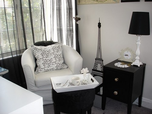 Black Home Decor. Love love love! I'm making a Paris room one day.