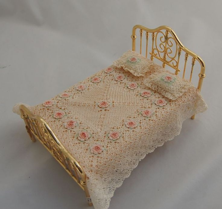 92 Best Images About Dollhouse Needlework 3 On Pinterest